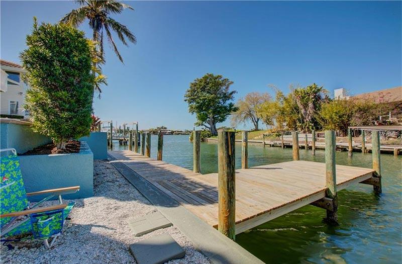 611 N Point Dr Holmes Beach, Florida 34217-1235 | Suncoast